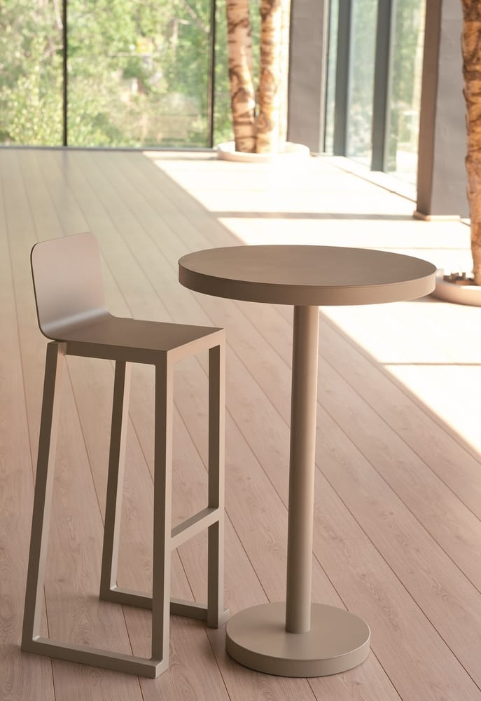 High table and bar stool
