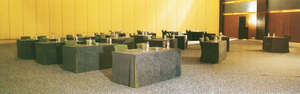 Conference table cloths