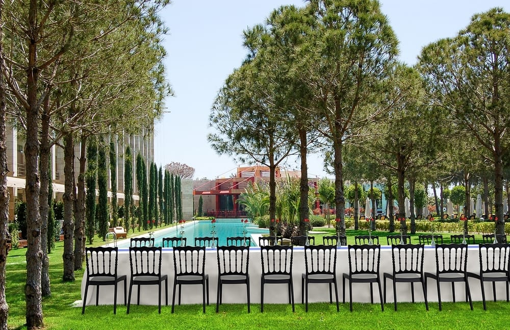 Outdoor banquet chairs
