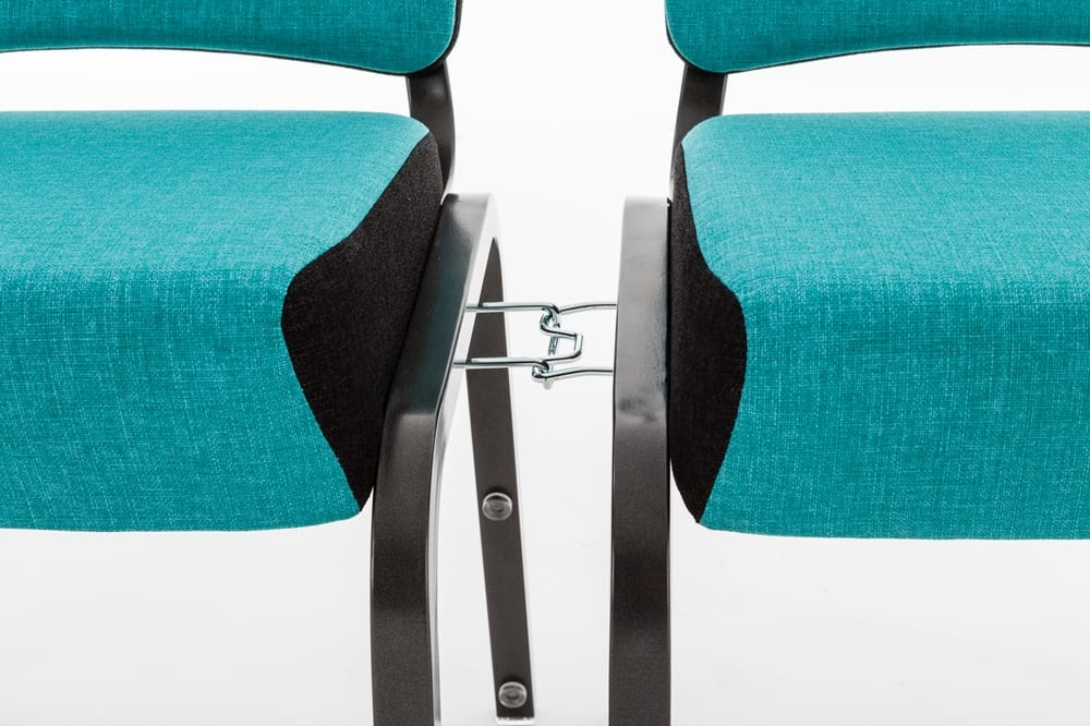 Linking system between chairs