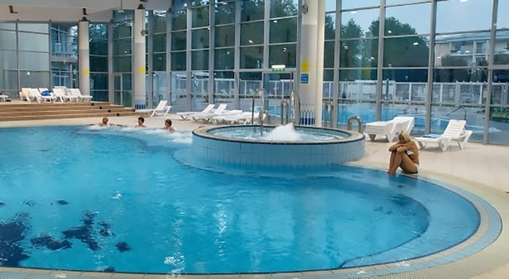 Mastro l lettini da sole bianchi per piscina tonon international srl - Lettini per piscina in plastica ...