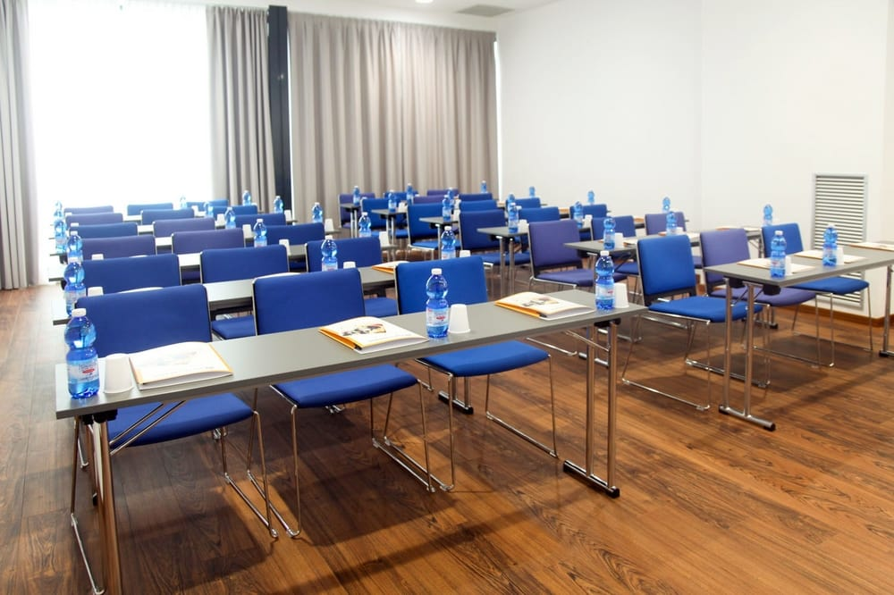 ron conference and meeting chairs for seminar room tonon