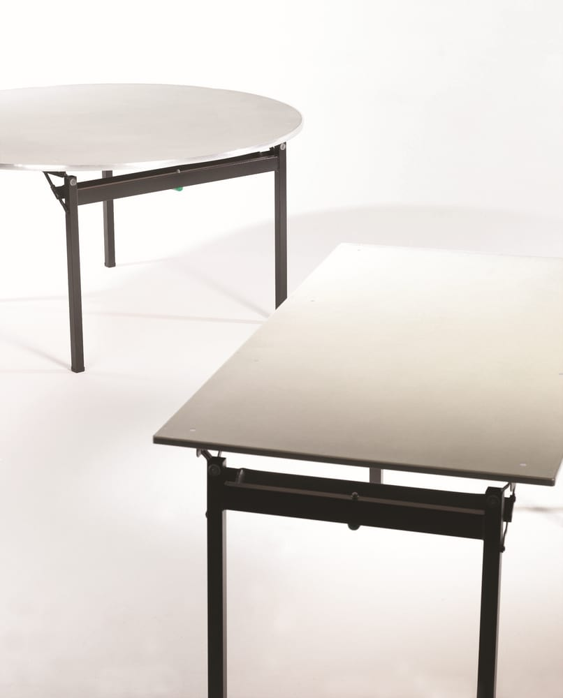 Folding table for banquet and conference