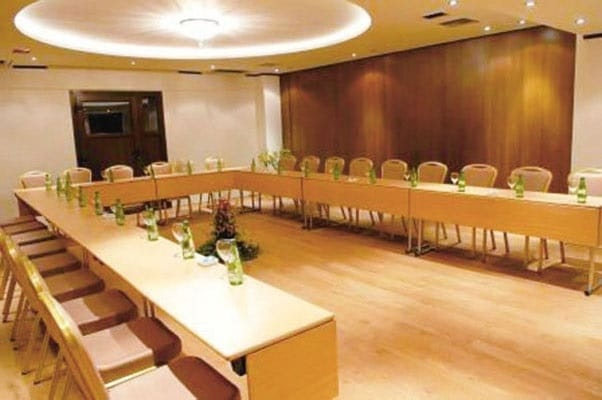 System C Folding Meeting Room Tables For Hotels Tonon